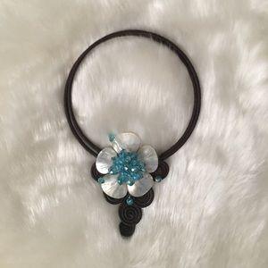 Jewelry - Flower necklace chocker